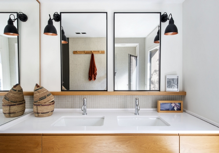 Baño de diseño madera y gresite | The Room Co